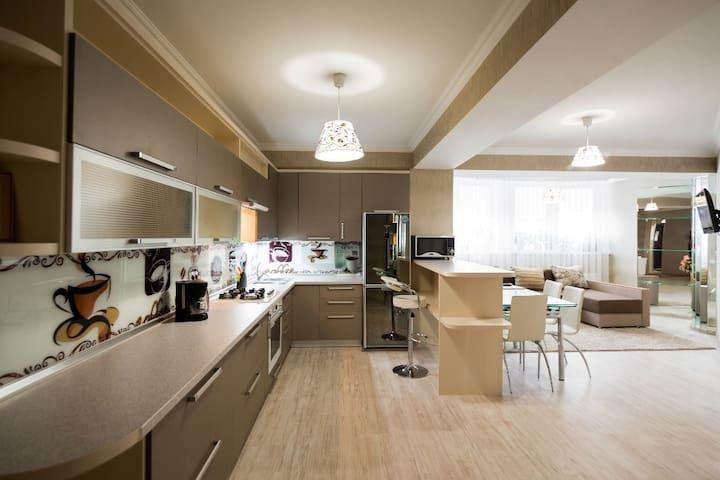 Modern - 2 bedrooms Center New Building - Chişinău - Lägenhet