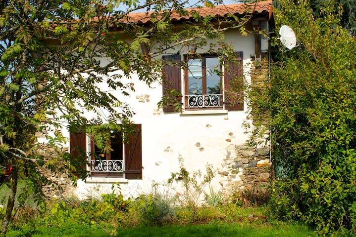 La Petite Maison, charming converted stone gite - Savignac-Lédrier - Huis