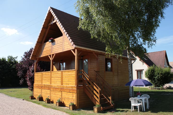 Cottage on border of a lake - Poses - Chalet