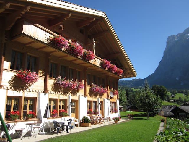 Zimmer mit Frühstück, BERGSICHT - Grindelwald - Aamiaismajoitus