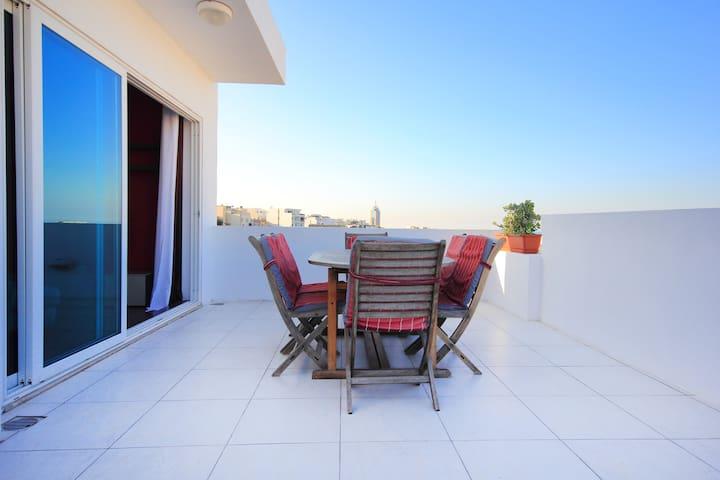 2 Bedroom Penthouse In St Julians with open views. - Saint Julian's - Apartament
