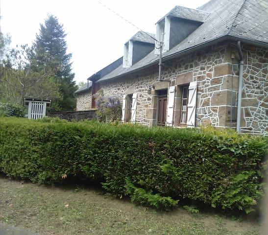 Maison de campagne rénovée, Corrèze - Saint-Hilaire-Foissac - Huis