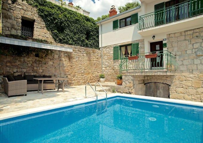 Amazing villa near Split with private pool - Žrnovnica - Ev