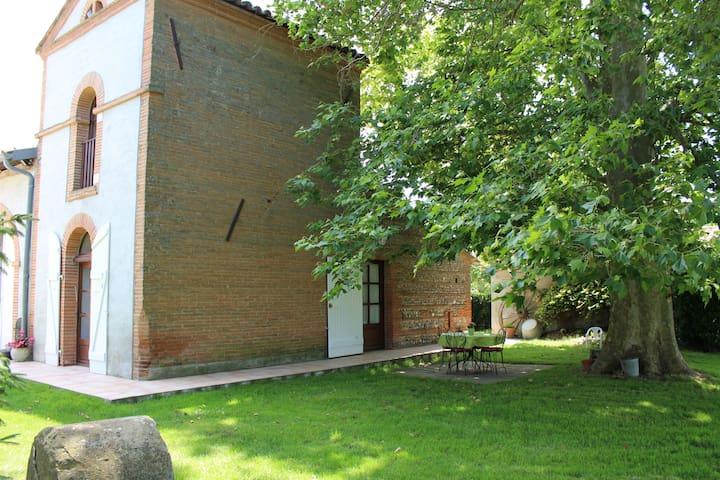 Gîte rural, location saisonnière - Montlaur - Hus