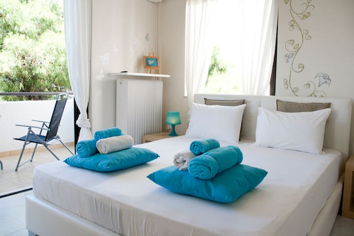 Glyfada golf course apartment for 2 - Athens