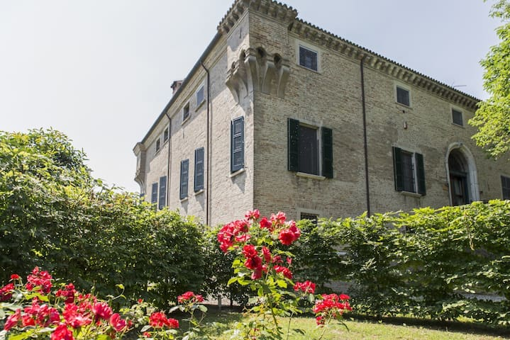Carming and relax suite in villa with pool - Ravenna - Lakás