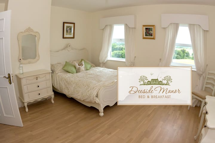 Deeside Manor R2 Castlebellingham - Stabannon  - Bed & Breakfast