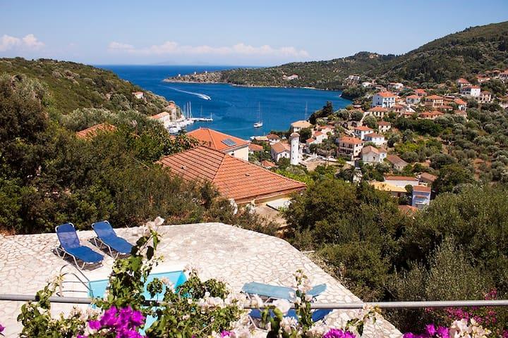 Peaceful Koukla Ionian Island Villa - Kioni