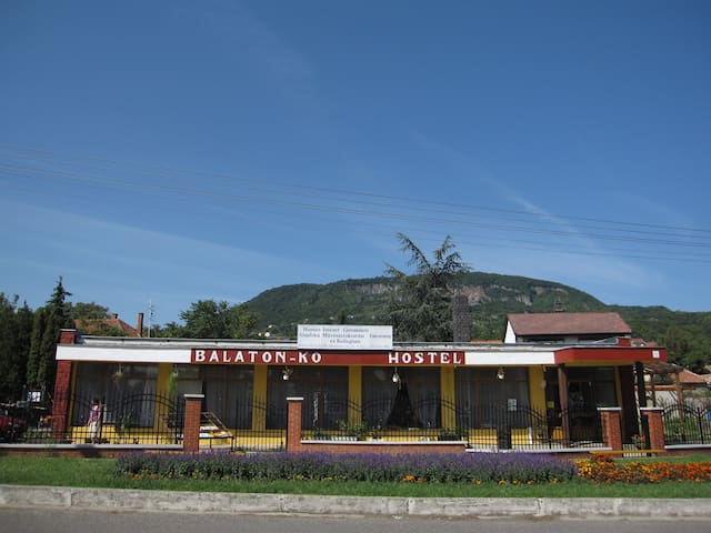 RETRO supermarket changed to hostel - Badacsonytomaj - Slaapzaal
