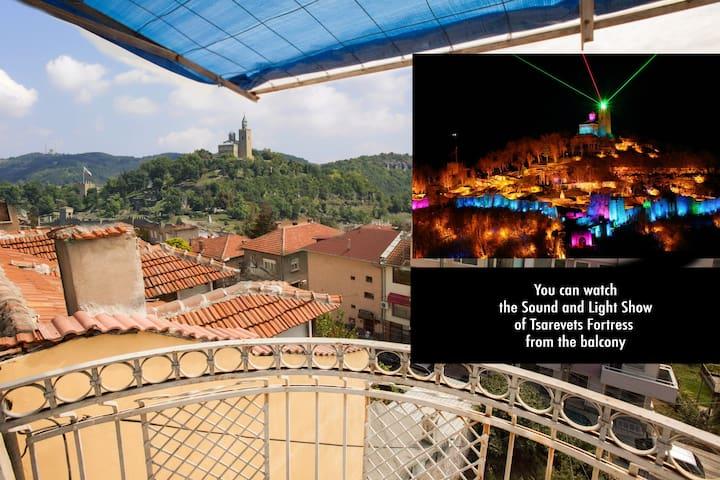 A Pretty Room with a View Center - Veliko Tarnovo - Şehir evi