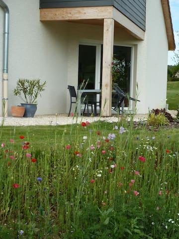Maison récente, près des champs - Tarcenay - Dom