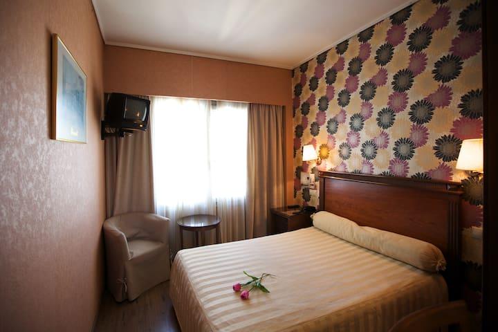 El Greco Hotel Thessaloniki for 1 - Thessaloniki - Bed & Breakfast