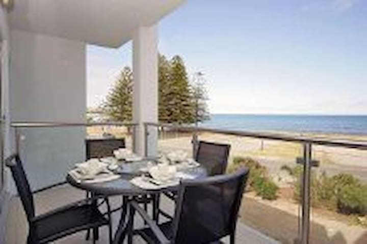 LUXURY OCEAN VIEW APARTMENT - Hindmarsh Rd, Victor Harbor SA 5211, Australia - Apartamento