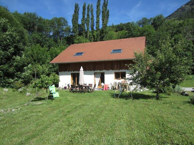 maison en paille - La Motte-en-Champsaur - Casa cueva
