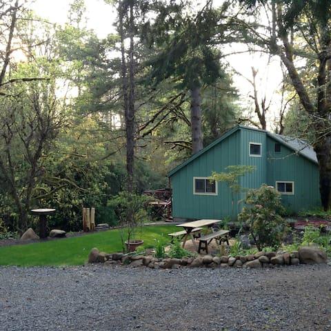 Cabin on Abiqua Creek Oregon - Silverton - Maison