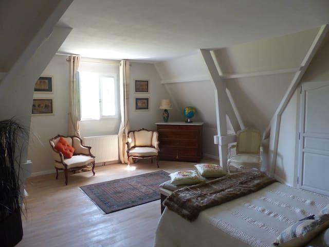 Maison contemporaine tout confort - Moyaux - 別墅