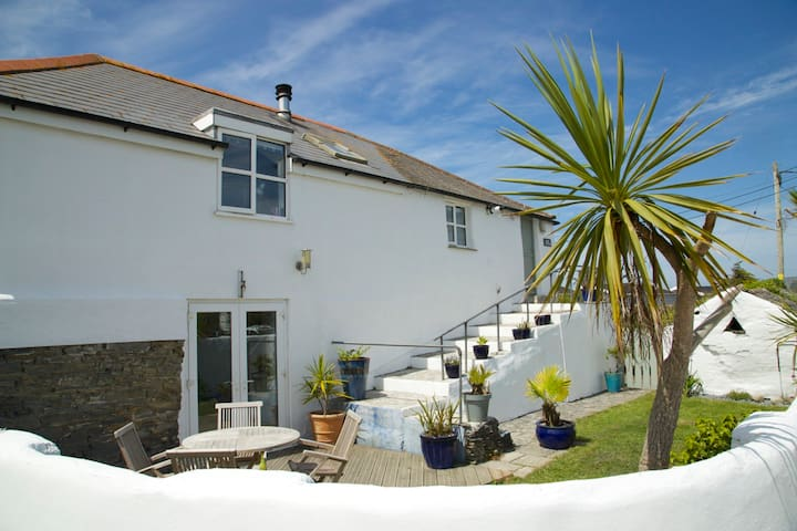 Stunning cottage 1 mile from Constantine Bay - Padstow - Huis