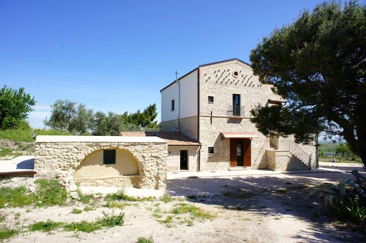 Masseria Antica Colombaia (piano terra) - Radogna - Villa