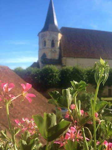 Chambre privée dans maison de Bourg - Parly - Haus