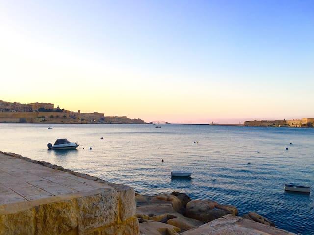 Grand Harbour Seafront Luxury in St Angelos Birgu - Birgu - Departamento