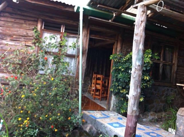 Cabaña Rustica, agradable en Cedral - Palmichal - Kulübe