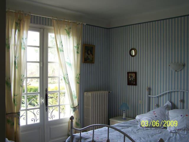 habitacion en casa grande - Labatut - Hus