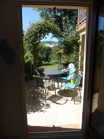 Studio meublé avec jardin à Tallende (Classé 3*) - Tallende - 단독주택