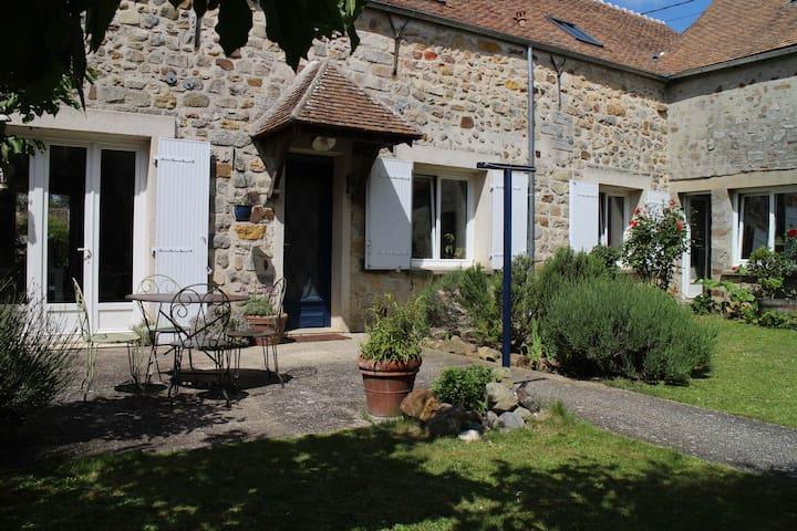 Maison à la campagne - Montmachoux