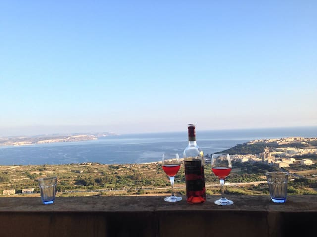 Apartment with a amazing View ! + newest WIFI / TV - Nadur - Lägenhet