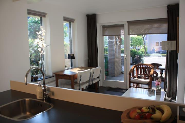 B&B Magnolia with terrace - Vlijmen - Departamento