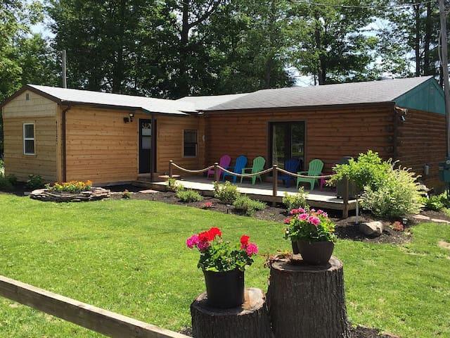 Super Clean, Pet Friendly Cottage! WiFi, Netflix! - Alexandria Bay - Hus