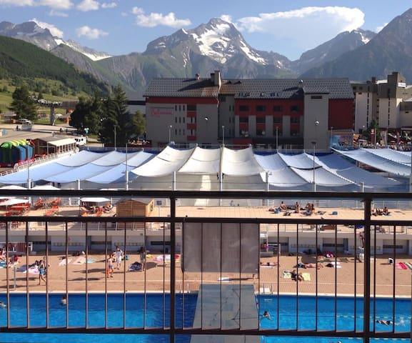 Central studio swimming pool view - Mont-de-Lans - Appartement