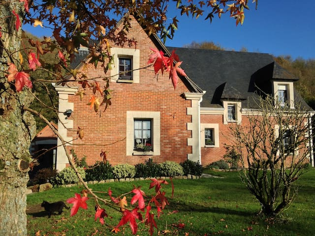 Just 1hr 15mins drive from Calais!! - Willeman - Bed & Breakfast