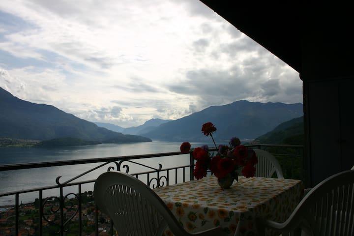 Lago Di Como, Lake View, Montemezzo - Cerceno - Daire