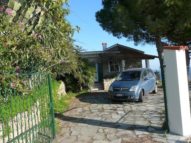 Villa con giardino e vista mare - Bordighera - Villa