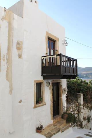 Villa Folia - Αγία Μαρίνα - Hus