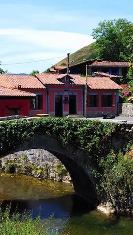 Hostel Covadonga Cangas de Onis - Cangas de onis  - Bed & Breakfast