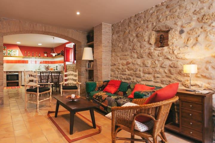 Casa Vermella, Ca la Maria Orriols - Orriols