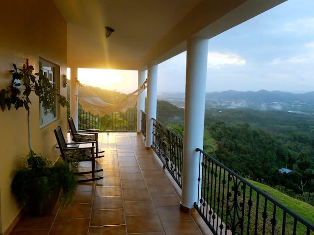 Hillside Getaway With Amazing View - Caguas - Hus