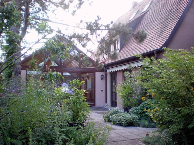 A house with style - Uttenreuth - Talo