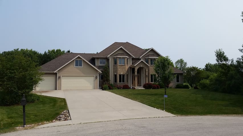 LG Executive Home, Kohler Golf, EAA, Road America - Sheboygan - Huis