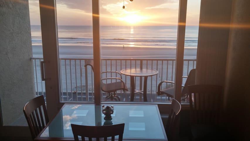 Ocean Front at Pirates Cove #224. - Daytona Beach - Apto. en complejo residencial