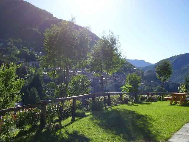 Chalet immerso nel verde - Bagolino - Casa de campo