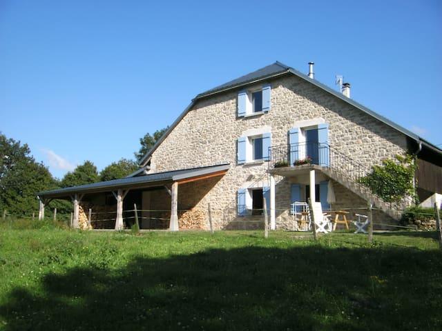 Gîte  au sud du massif du Jura, 5p. - Hauteville-Lompnes