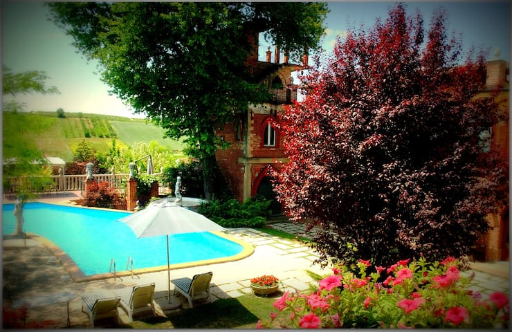 Bed & Breakfast con piscina - Viarigi - Bed & Breakfast