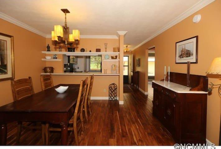 Great location & great rates! - Waynesville