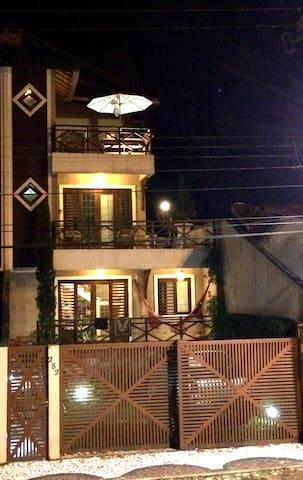 "Pousada em estilo ""Hotel de Charme"" - Guaramiranga - Aamiaismajoitus"