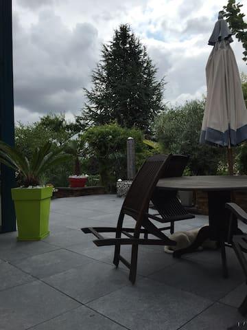 Chambres et SDB privées - Maidières - Appartement
