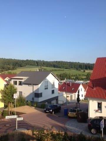 Doppelhaushälfte mit eigenem Garten - Groß-Bieberau - Casa