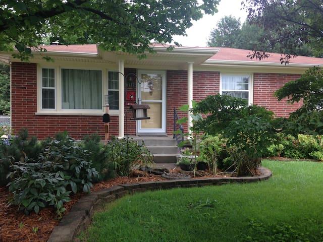 Red Bird Family Home - Louisville - Maison